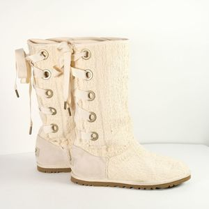 UGG Heirloom lace up cream boots rare Size 5